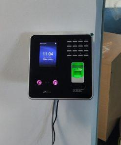 Lắp đặt Máy chấm công nhận diện khuôn mặt vân tay ZKTeco MB20