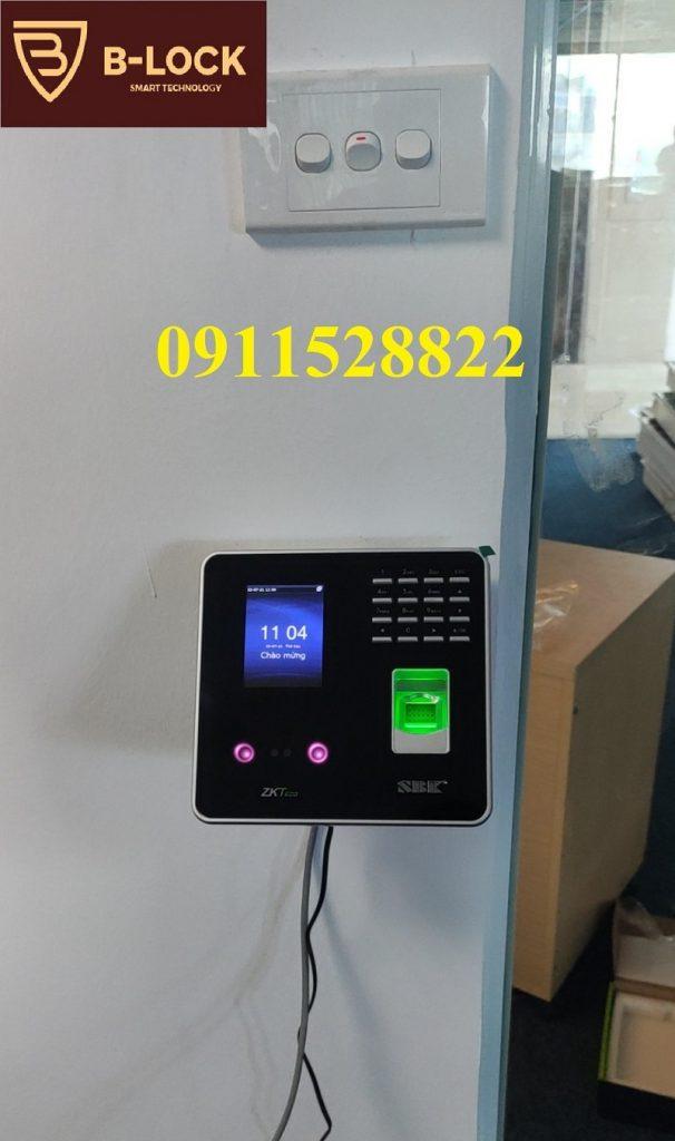 Lắp đặt Máy chấm công nhận diện khuôn mặt vân ZKTeco MB20